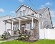 2594 Riverside Dr, Wantagh image