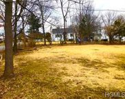 Highland Ave & Broadway, Montgomery Town image