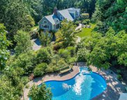 7 Spring Hollow  Road, Centerport image