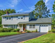 5 Claralon  Ct, Greenlawn image