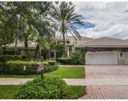 112 Dockside Cir, Weston image