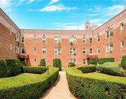 20 Davenport  Avenue Unit #2B, New Rochelle image