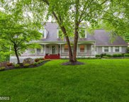10330 HICKORY FOREST DRIVE, Oakton image