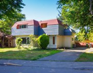 1608 Chandler  Ave, Victoria image