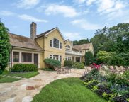 13 N Bay Ln, East Hampton image
