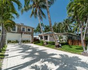 8727 Carlyle Ave, Surfside image