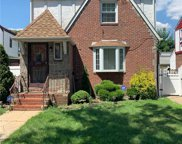 118-06 221 St, Cambria Heights image