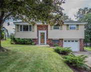 604 Chinaberry Road, Monroeville image