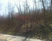 4 CORLS WOODS, South Mountain image