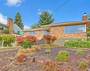 2226 W Halladay St, Seattle image
