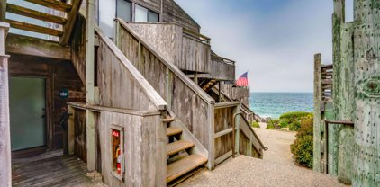 1 Surf Way 108, Monterey