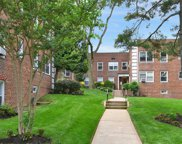 23 Edwards  Street Unit #2C, Roslyn Heights image