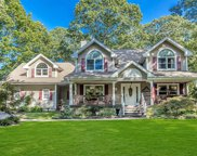23 Glenview  Avenue, Northport image