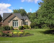 811 Hillcrest Drive, Lake Orion image