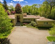 8 Rolling Hill Rd, Old Westbury image