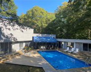6 Eastwood Ct  Court, Amagansett image