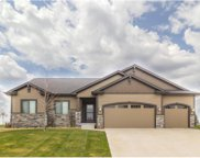 8202 Sky View Circle, West Des Moines image