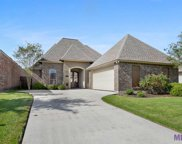10527 Hill Pointe Ave, Baton Rouge image