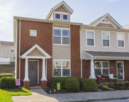 1016 Somerset Springs Dr, Spring Hill image