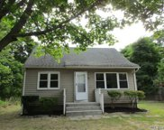 41 N Saunders Ave, Center Moriches image