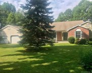 15 Troutwood  Drive, New Hartford image