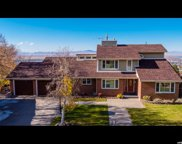 3068 S Windsor Ln E, Bountiful image