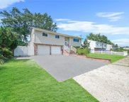 94 Westwood  Drive, Brentwood image