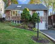 10 Forester Ct, Northport image