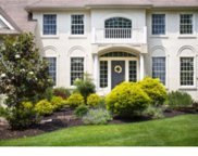 8 High Point Drive, Medford image