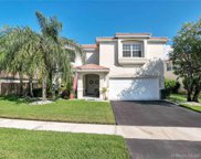 68 Gables Blvd, Weston image