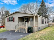 226 Holly Dr, Mount Wolf image