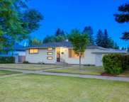 23 Cambrian Drive Nw, Calgary image
