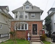 32-24 Murray Ln, Flushing image