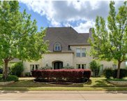 2001 Thames, Colleyville image