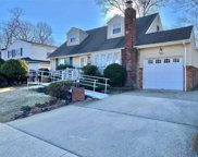 250 New Hampshire Ave, Massapequa image