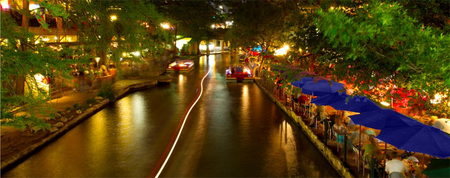 San Antonio Riverwalk image taken by Stu Seeger.  http://www.flickr.com/photos/stuseeger/5627832853/