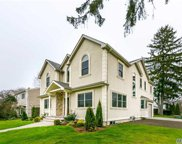 1 Griffin Ln, Syosset image