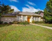 8521 Stable Glen Drive, Dallas image
