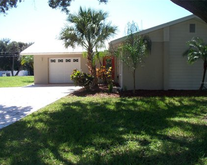 1464 Laconia Drive N, Clearwater