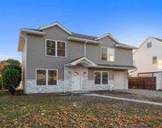 60 Knoll, Levittown image