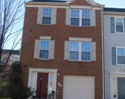 8043 HORSESHOE COTTAGE CIRCLE, Lorton image