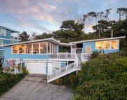 646-648 Inlet Ave Nw, Lincoln City image
