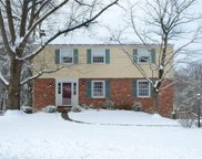 202 Essex Knoll Drive, Moon/Crescent Twp image