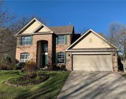 10512 Fox Creek  Lane, Fishers image