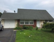 16 Iris Road, Levittown image