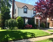527 N 12th St, New Hyde Park image