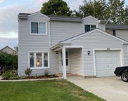 40 Stonefield Drive, Glendale Heights image