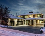 15 Spring Valley View   Sw, Calgary image