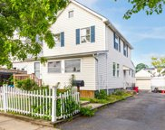 715 Farmers Ave, Bellmore image