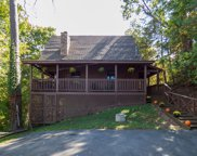 2822 Valley Springs Way, Sevierville image